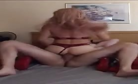 Getting a str8 raw cock in to my tranny ass