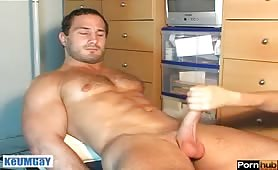 Cute European stud gets compensation for jerking off on a massage table